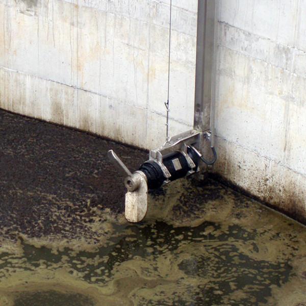 potopni-mesalnik-v-laguni-3